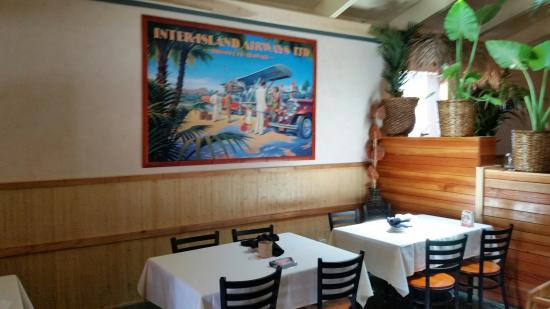 Interior picture of flying fish grill half moon bay for Flying fish grill