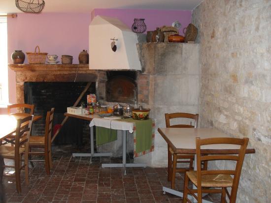 Domaine Dessus-Bon-Boire: la salle du petit déjeuner