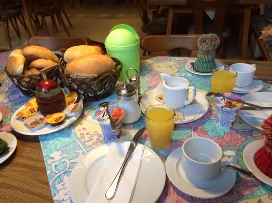 Zur Silbernen Kanne: 早餐