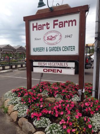 ‪Hart Farm Nursery‬