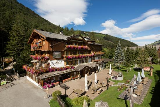 Hotel Aqua Bad Cortina: Your sweet home in the Dolomites