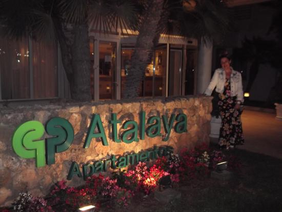 Protur Atalaya Apartments : The entrance to the hotel
