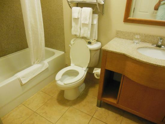 Candlewood Suites Winchester: Spacious clean updated bathroom