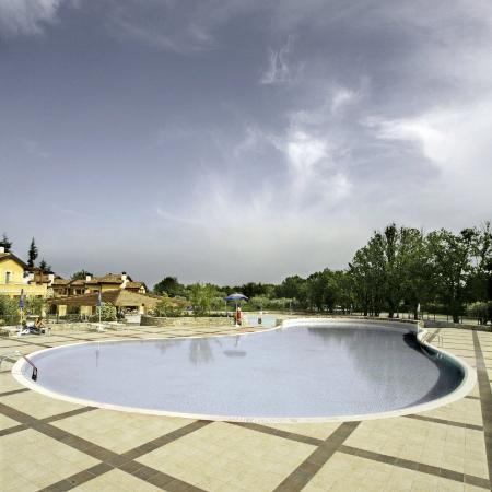 Manerba del Garda Resort: Piscina