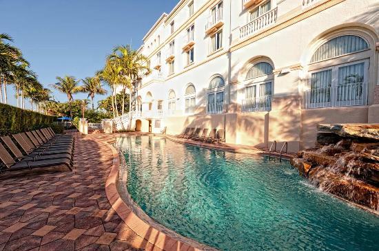 Hilton Naples Photo