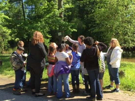 Walter B Jacobs Memorial Nature Park: Field trips for schools and other groups.