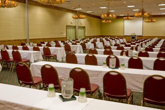 Cabot Lodge Millsaps: Ballroom