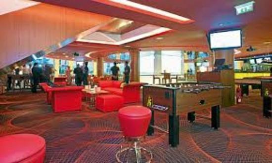 Qube Sports Bar