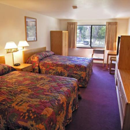 Lupine Inn: Guest Room