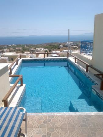 Anemomilos Suites: piscina