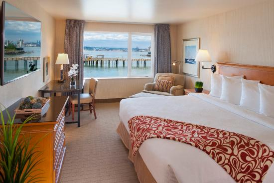Silver Cloud Inn Tacoma - Waterfront: Waterview King Room
