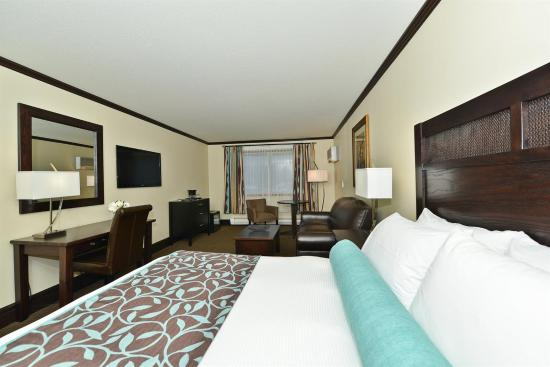 Prestige Rocky Mountain Resort and Convention Centre: Guest room