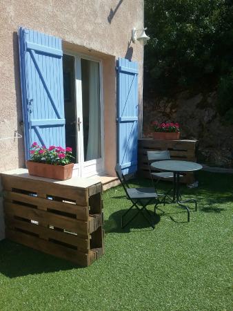 Villa-Bellebo : patio