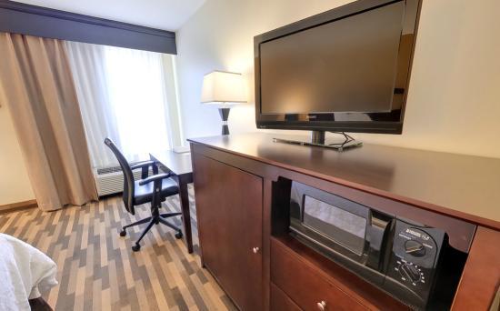 Hampton Inn Southport: Room Amenities