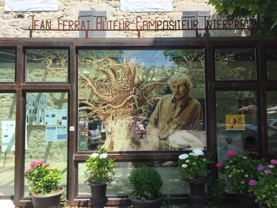 Accueil de la maison jean ferrat photo de maison jean for Antraigues sur volane maison de jean ferrat