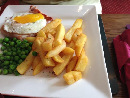 The Labour In Vain: Lite bite 5oz Gammon steak and chips