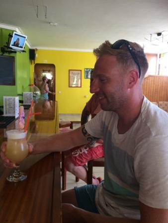 Maralvor: Long Island ice tea not on the menu but was happy to make us one