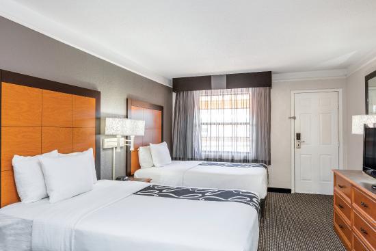 La Quinta Inn El Paso - Airport: Guest Room