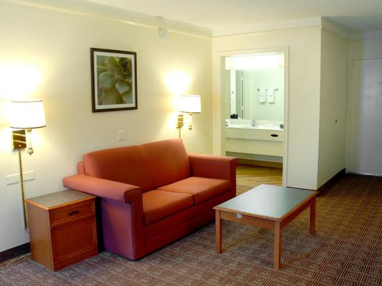 Motel 6 Houston Medical Center - Reliant Park: Suite