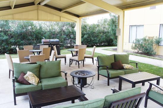 La Quinta Inn & Suites Woodlands South
