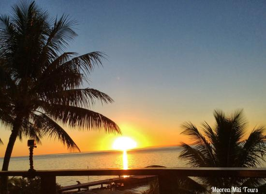 Papetoai, Polynésie française : Sunset hilton