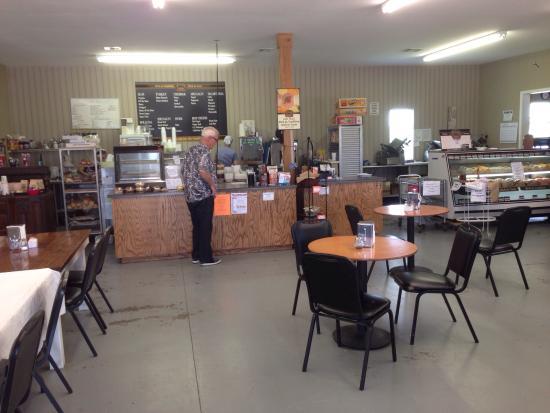 Lott, Teksas: Miller's Country Market