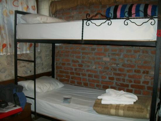 Cem Sultan Hotel: habitación compartida