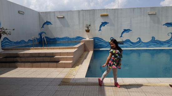 Grand Inna Daira Palembang: @swimming pool