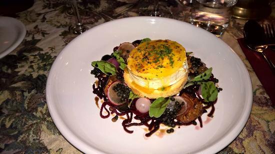Gloria Wine Cellar: Starter Goat cheese salad