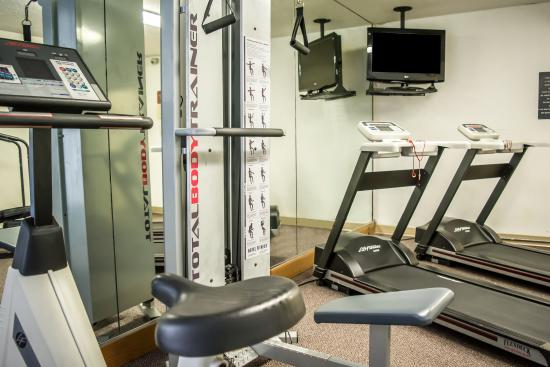 Quality Inn & Suites and Conference Center: FLFitness