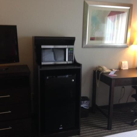 Holiday Inn Express Tell City: Micro/Fridge