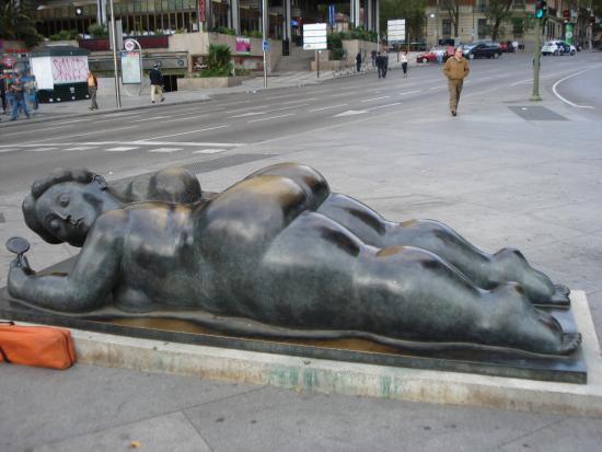 Mujer con Espejo - De Fernando Botero