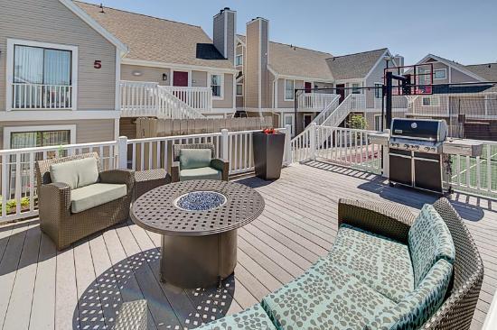 Residence Inn Lexington North : Outdoor Lounge