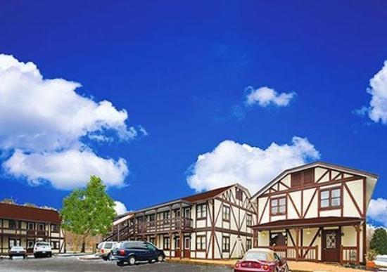 Rodeway Inn & Suites Newport News: Exterior