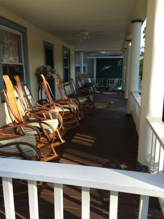 Lakeside, OH: The rockers lining the spacious front porch