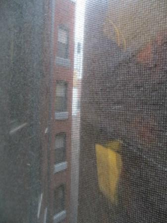 Broadway at Times Square Hotel: Not the greatest view!
