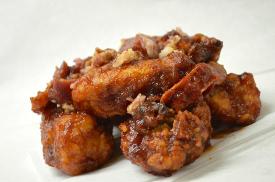 Mac's Market & The Gridiron: Jeri's Secret BBQ Wings