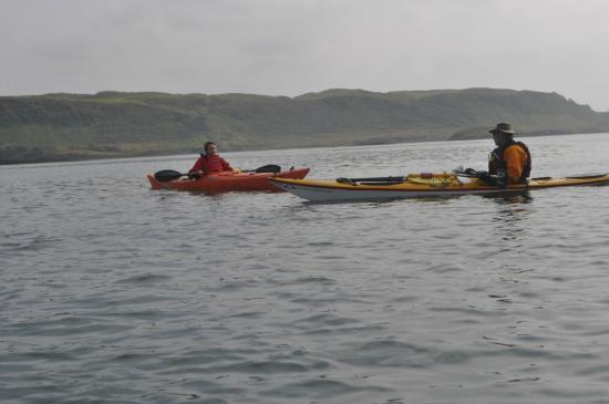 Sea Kayak Scotland: Kenny giving advices during the day trip