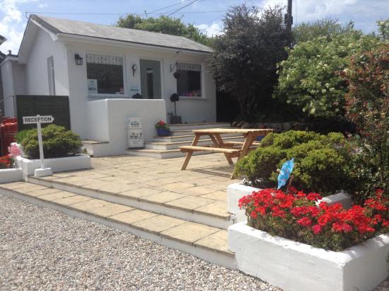 Ruan Minor, UK: Reception & shop