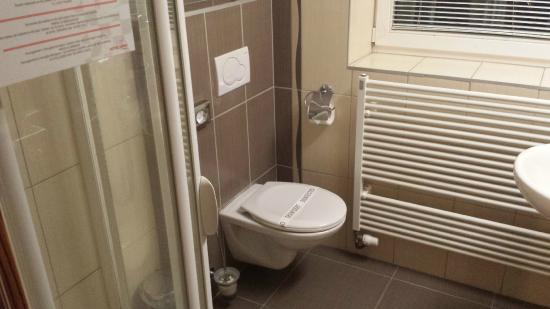 Hotel Vaka: koupelna