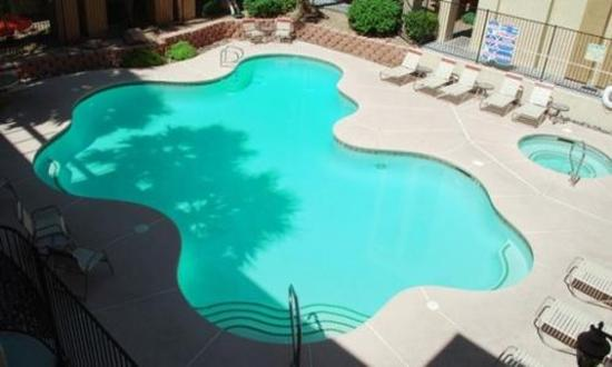 Nellis Suites at Main Gate: Pool view
