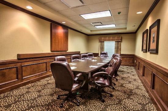 Hampton Inn & Suites Tallahassee I-10 / Thomasville Rd: Board Room