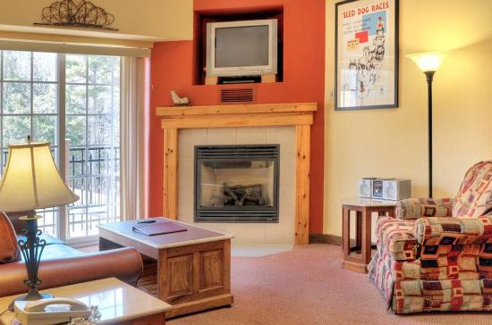 Mountain Edge Resort & Spa at Sunapee: Suite