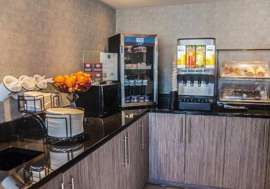 Comfort Inn Levis: Breakfast Room