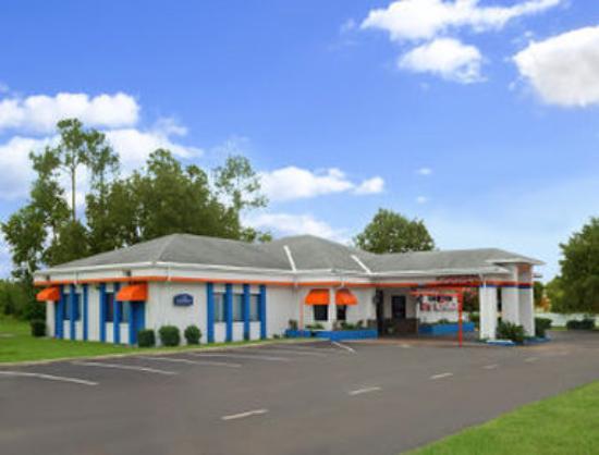 Howard Johnson Inn - Ocala: Exterior