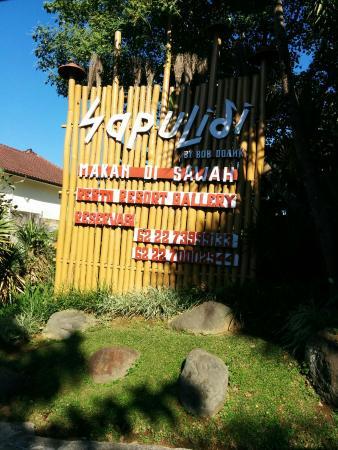 Tampak Sapulidi Resort Lembang Picture Of Sapulidi Cafe Resort