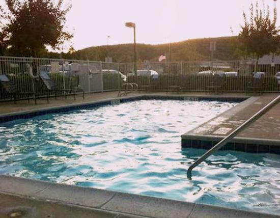 Residence Inn San Diego Rancho Bernardo/Scripps Poway: бассейн