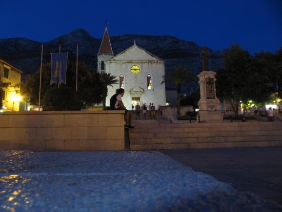 St. Mark's Church -- Makarska : Anochecer