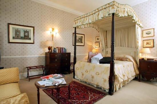 애비 코트 호텔