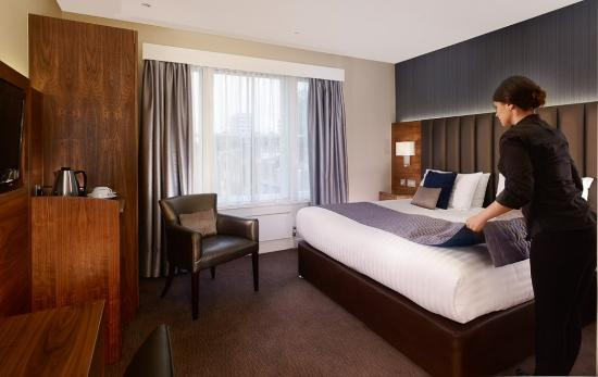 The Norfolk Towers Hotel: Double Room